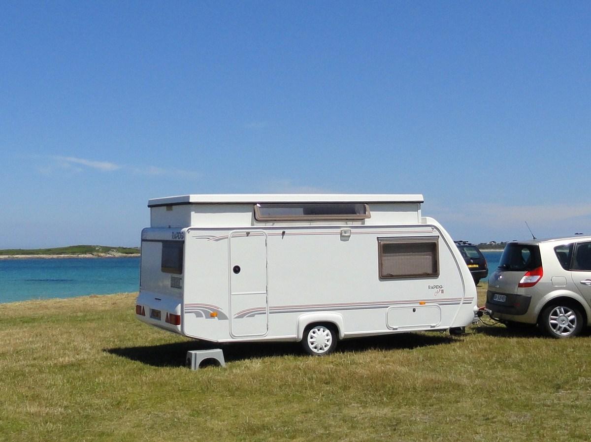 caravane rapido club 42 cp annonce sur sideplace. Black Bedroom Furniture Sets. Home Design Ideas