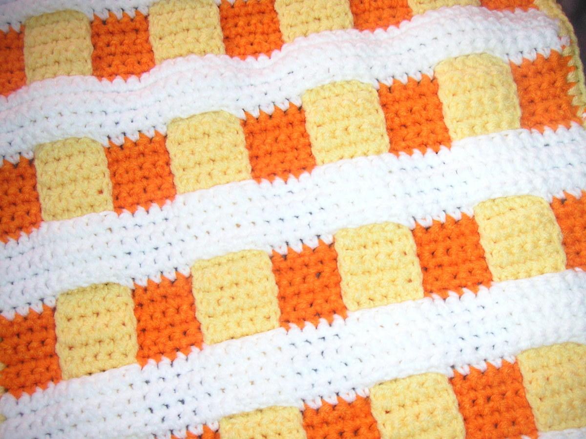 Petit tapis fait au crochet main annonce sur sideplace Petit tapis jaune