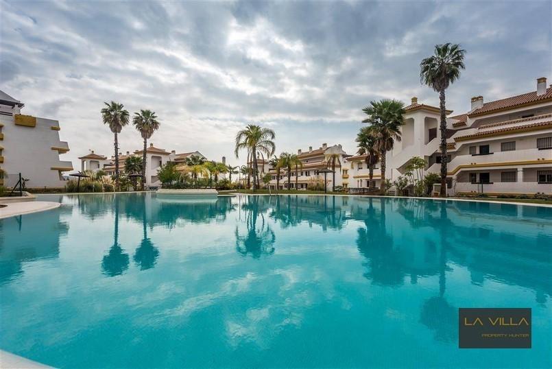 penthouse grande terrasse vue golf et mer costa del sol annonce sur sideplace. Black Bedroom Furniture Sets. Home Design Ideas